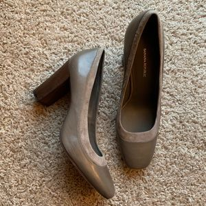 banana republic grey suede and leather heels 👠
